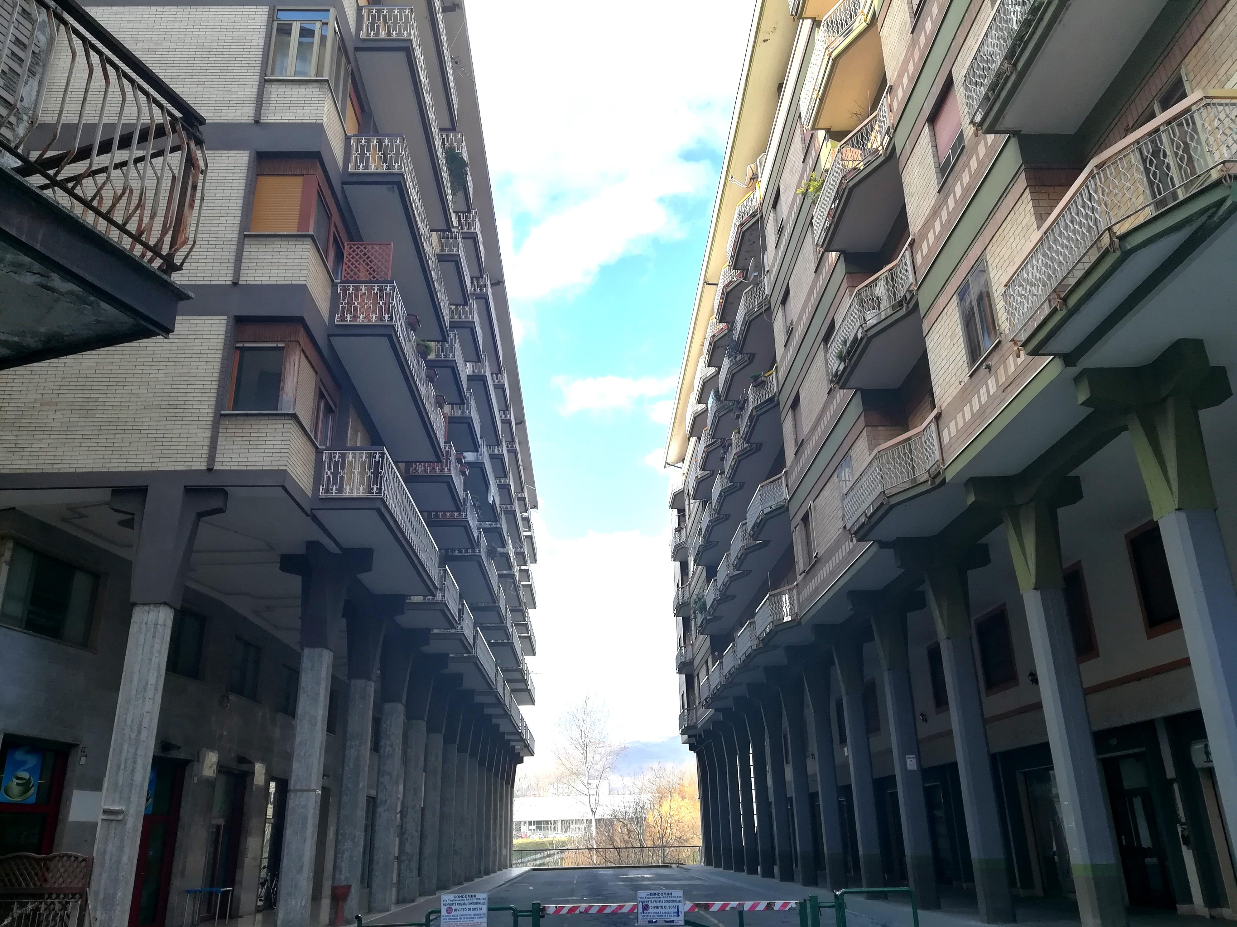 APPARTAMENTO, BOX-AUTO E SOTTOTETTO IN ZONA CENTRALE