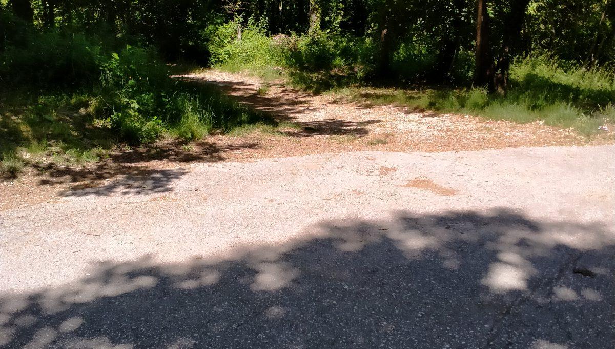 Foto 1 accesso da strada comunale